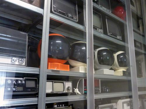 JVC Nivico monitors in different colors from the HKB / AktiveArchive reference collection. Photo : PACKED vzw.