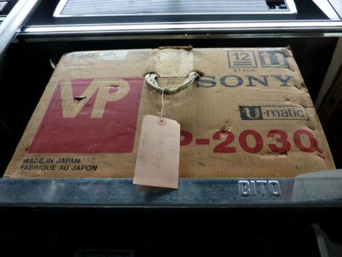 A SONY VP-2030 U-matic player stored in its original cardboard box. Photo : PACKED vzw.