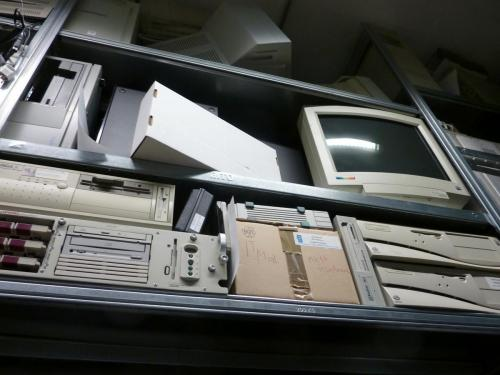 Vintage computers and monitors in the AktiveArchive / HKB reference collection. Photo: PACKED vzw.